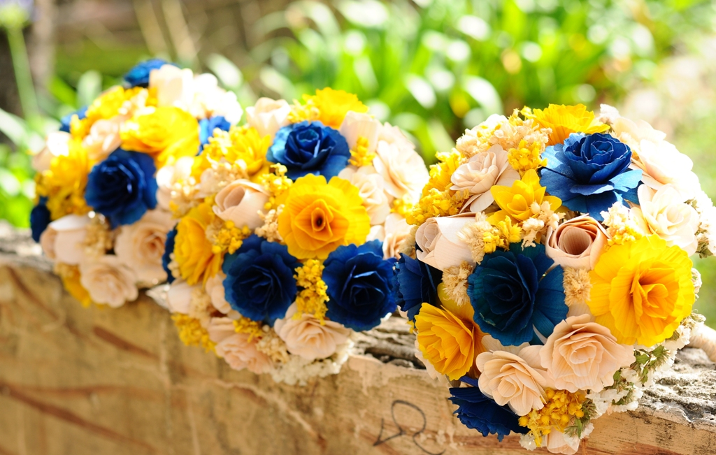 Throw a Proper Summer Wedding with Yellow and Royal Blue! | Knots ...