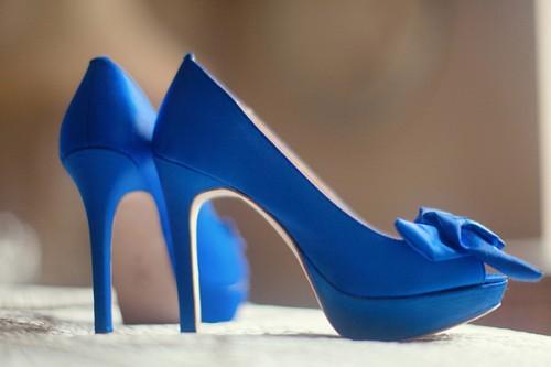 Royal Blue Wedding Heels: Throw A Proper Summer Wedding With Yellow And Royal Blue
