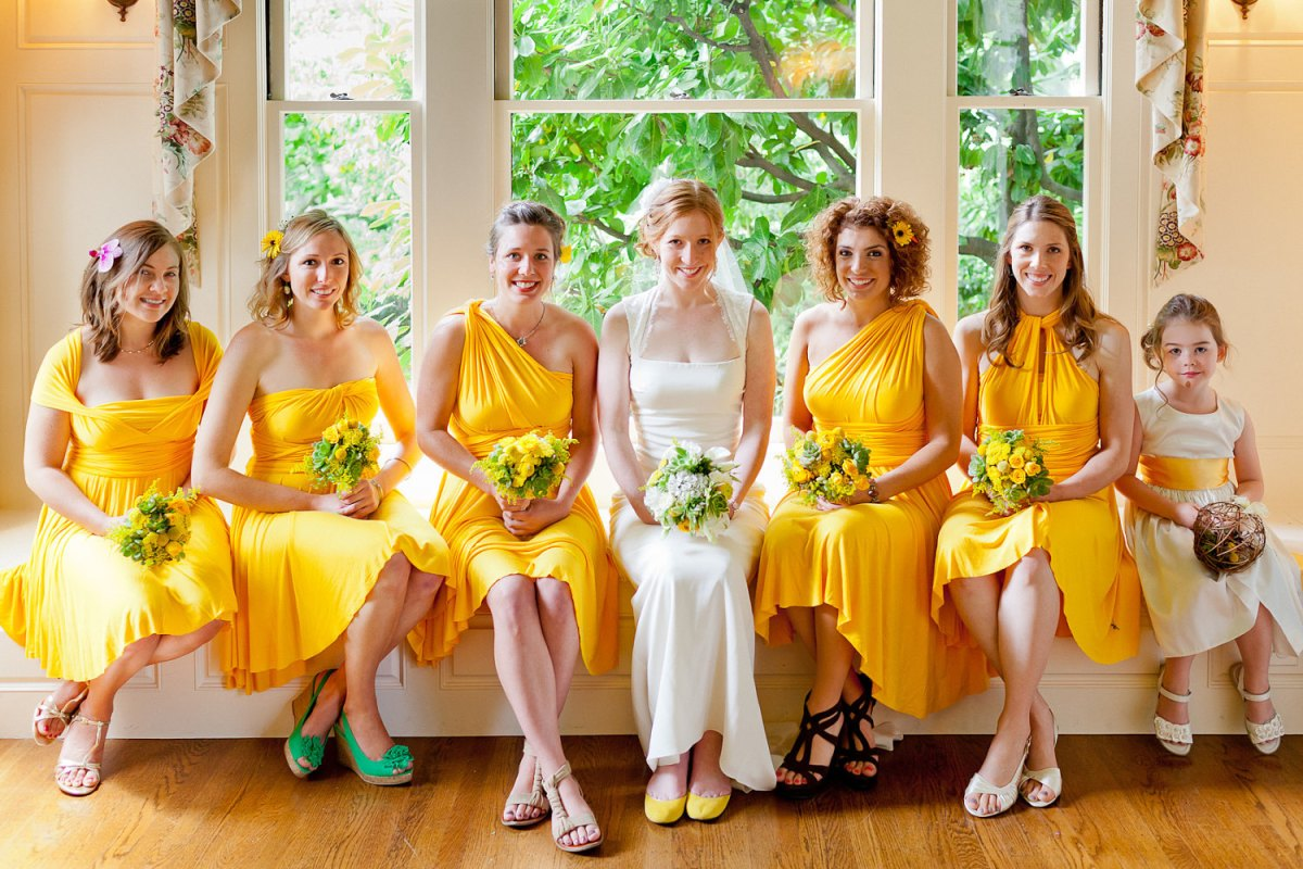 Dark Blue And Yellow Wedding: Throw A Proper Summer Wedding With Yellow And Royal Blue